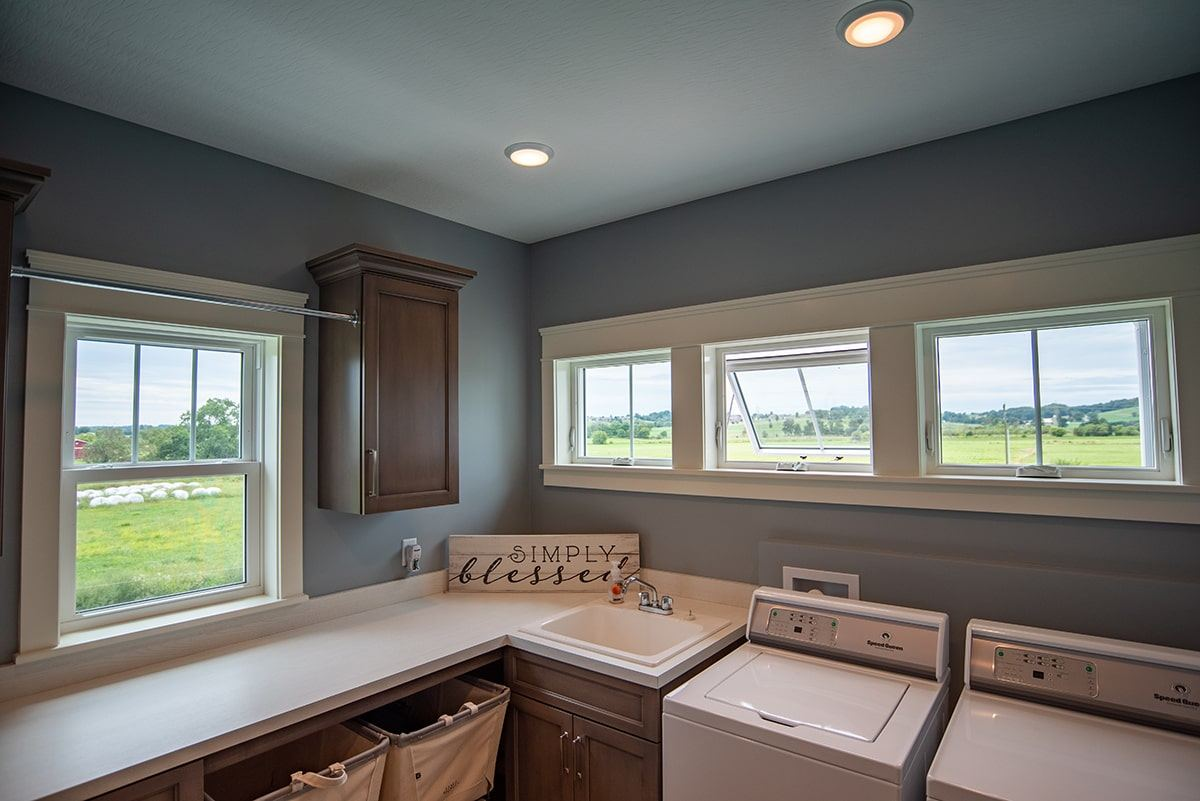 Endure-Awning-and-Casement-Windows-Laundry-Room-min