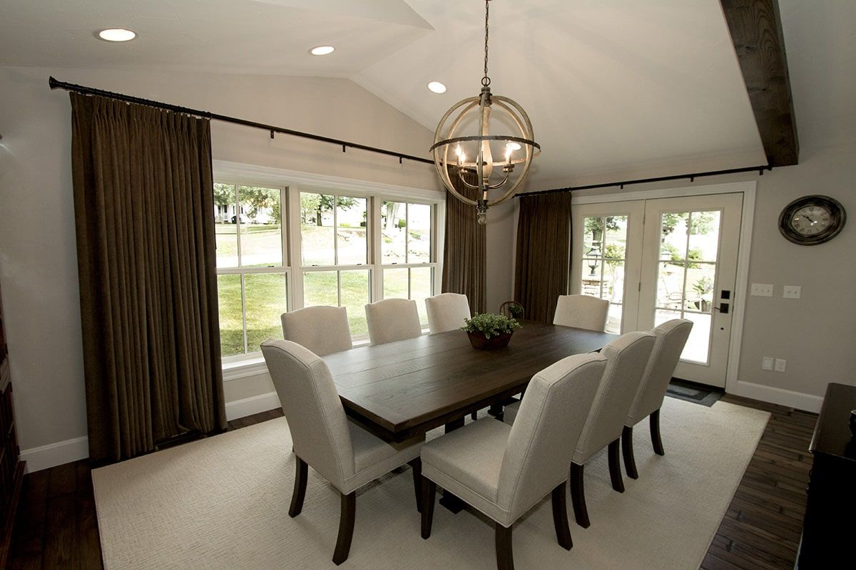 Aeris-Double-Hung-Windows-Dining-Room-min