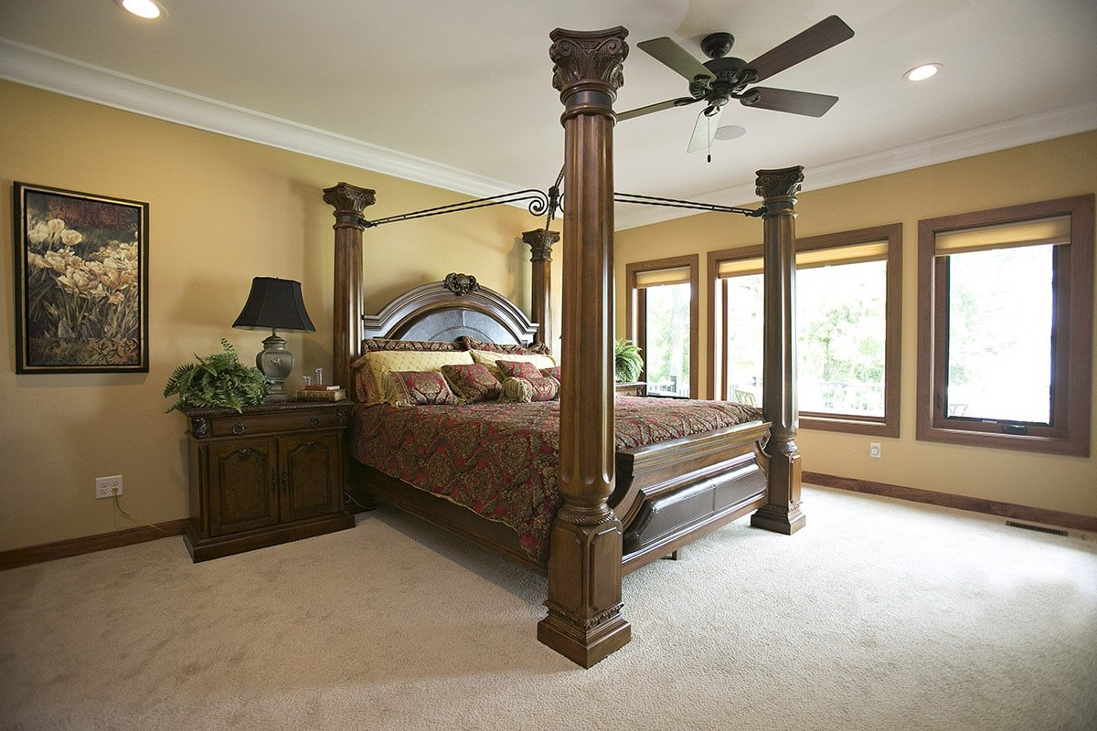 Aeris-Picture-Casement-Windows-Master-Bedroom-min