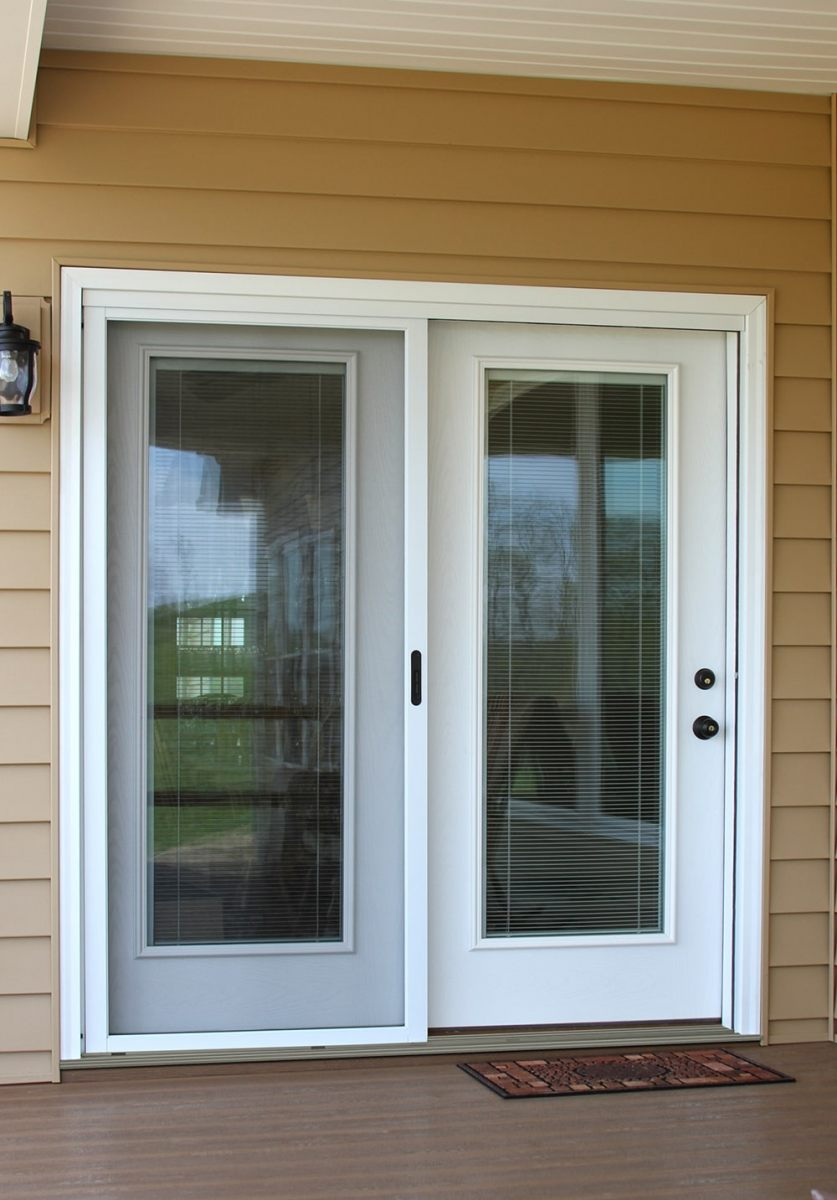 Swinging-Patio-with-internal-blinds-Legacy-Steel-min