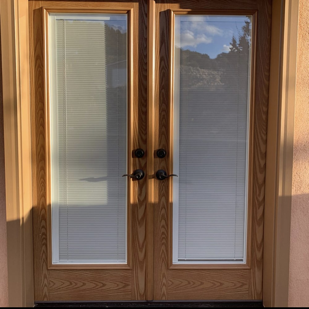 Swinging door installation 11